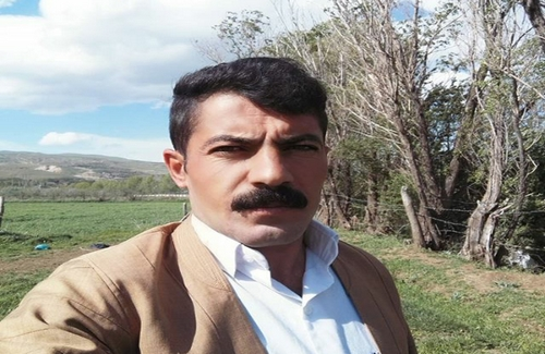 A Kurdish tradesman wounded at the Oshnavieh\'s border