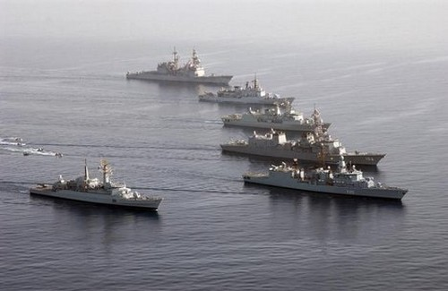 U.S. Adds Forces in Persian Gulf, a Signal to Iran